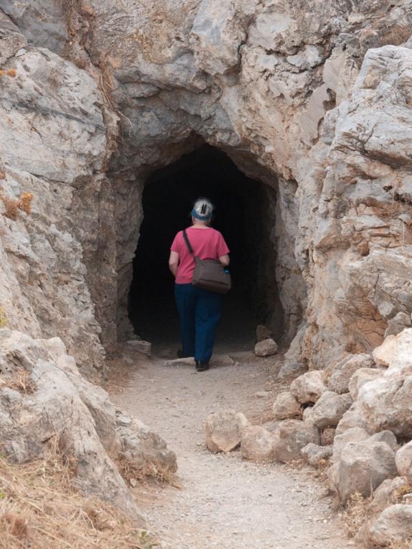 Dorothea goes underground