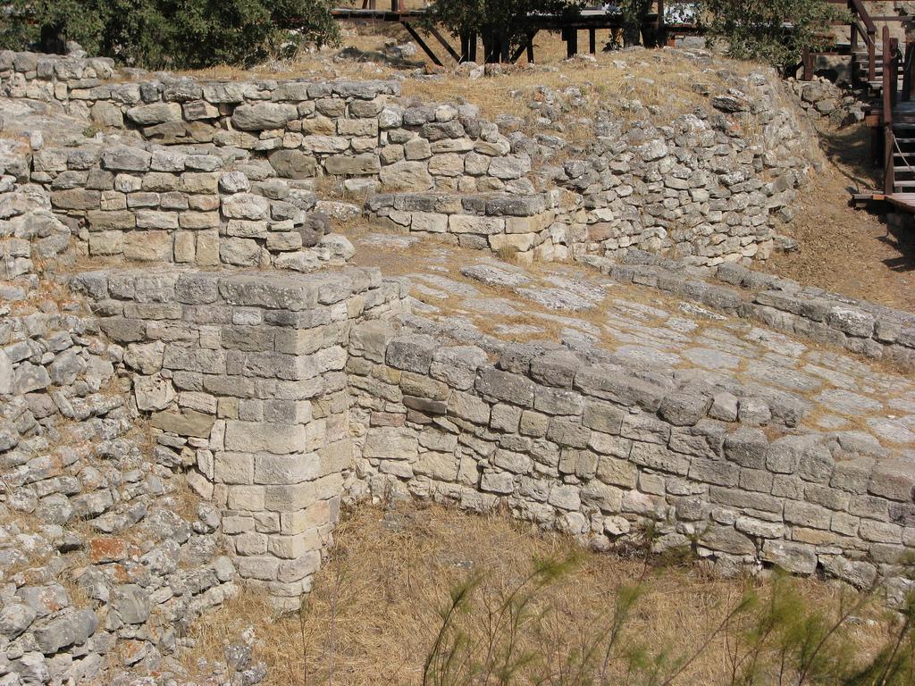 Ruins of Troy/Wilusa (photographer: Özgür Mülazımoǧlu)