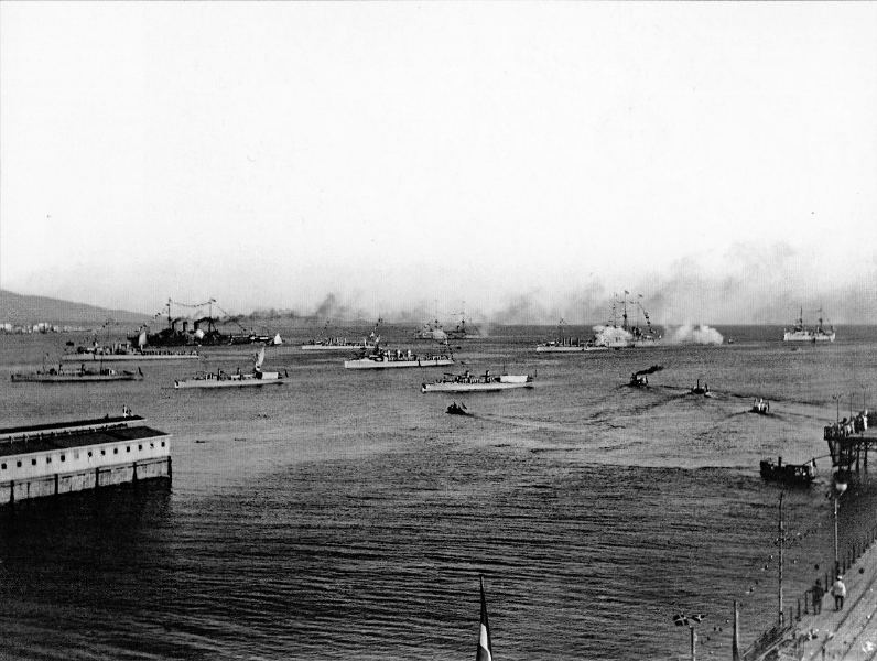 Greek fleet in its home port of Fáliro, October 1912